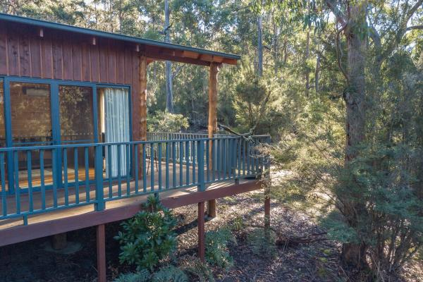 Nairana Cottage - Inala Country Accommodation - Brad Moriarty / Pademelon Creative