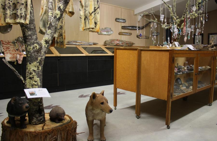 Inala Nature Museum - Bruny Island - Fossils, Shells, Minerals, Giftshop