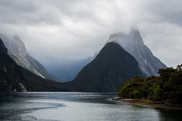 Milford Sound - Alfred Schulte - Inala Nature Tours